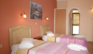hotel_vila_eugenia_laganas_aqua_travel-1200x700